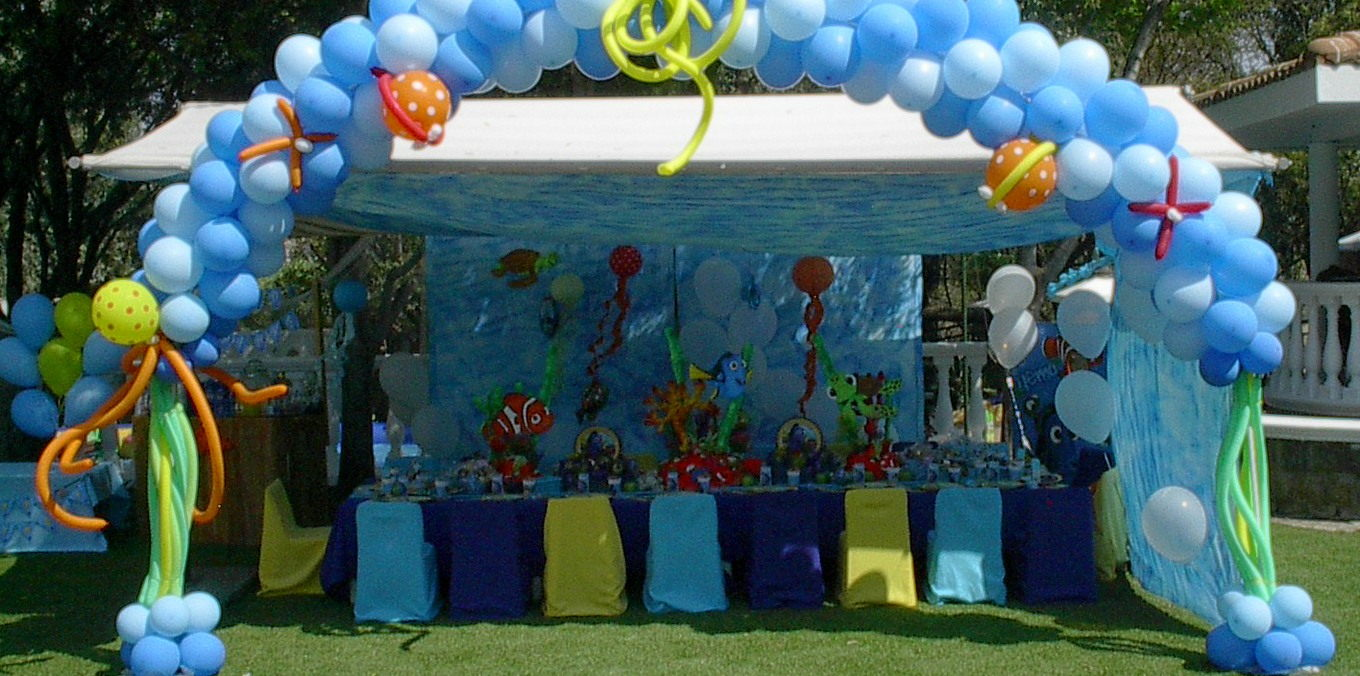 Finding Dory Themed Party Decor and Balloon Arch