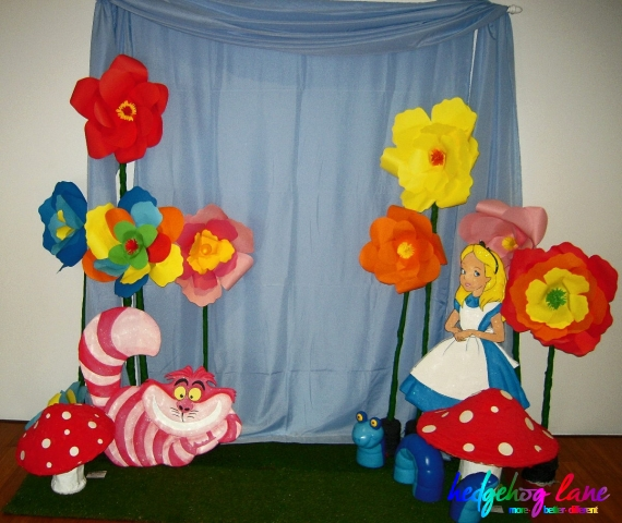 Alice In Wonderland Photo Booth Hedgehog Lanethemed Party Decor
