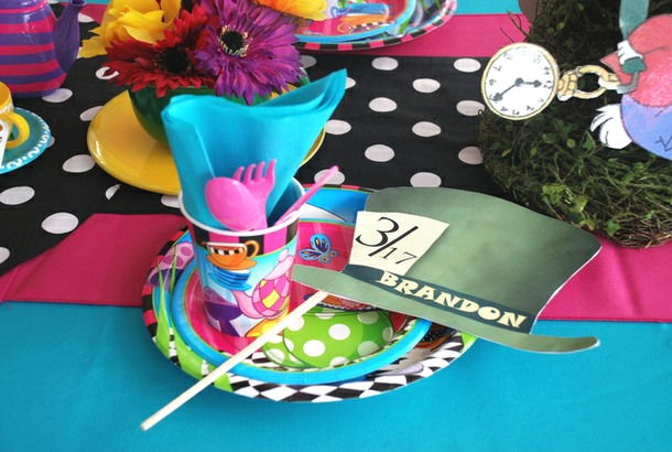 Charming Alice In Wonderland Table Setting Ideas Gallery - Best ...